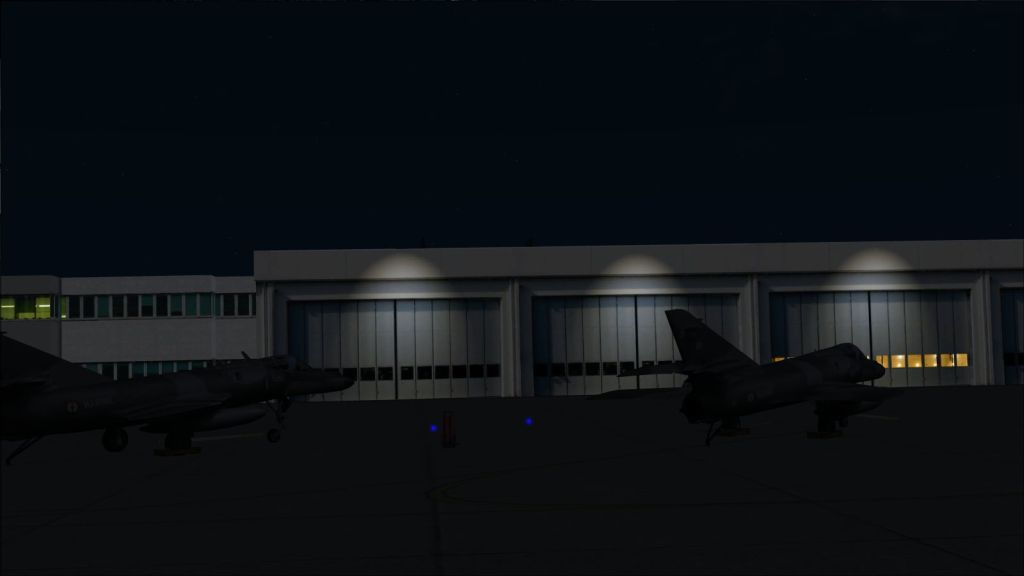 SKYDESIGNERS - LANDIVISIAU NAVY AIR BASE  LFRJ